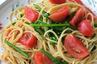 菜の花とトマトのパスタ